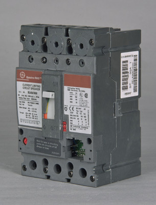 GE DISTRIBUTION SELA36AT0060 GE Distribution SELA36AT0060 Spectra RMS™ Molded Case Circuit Breaker; 60 Amp, 600 Volt AC, 3-Pole