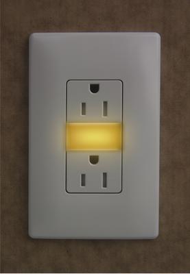 Pass & Seymour Wiring Devices NTL885-TRAMBERW NTL885-TRAMBERW P-S AMBER NIGHT LIGHT+2 15A TR